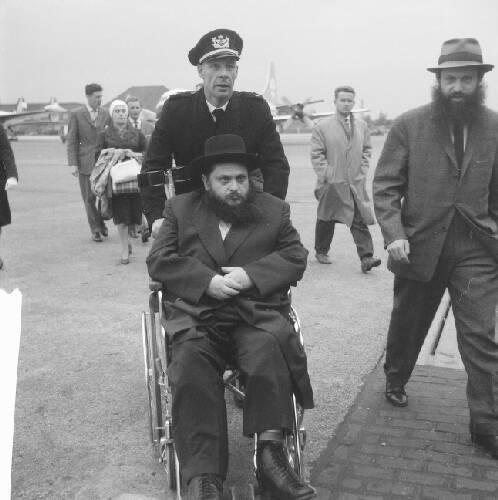 Aankomst Rabbi Uriel Zimmer op Schiphol