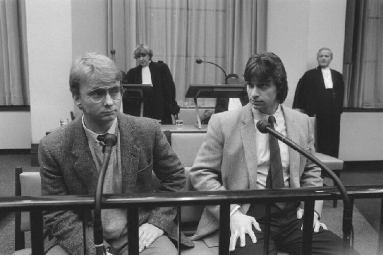 100 grootste criminelen van Nederland; Proces tegen Heinekenontvoerders Cor van Hout en Willem Holleeder (r) in het Pal…